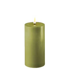 Deluxe Stumpfkerze Ø7,5*15cm – Olive